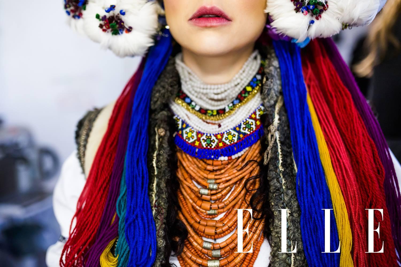 Тіна Кароль одягла старовинне українське весільне вбрання  - фото 4