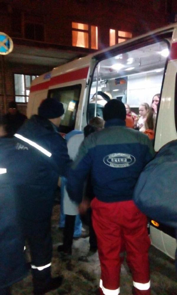 Постраждалі у ДТП на Дніпропетровщині діти досі перебувають у лікарні  - фото 2