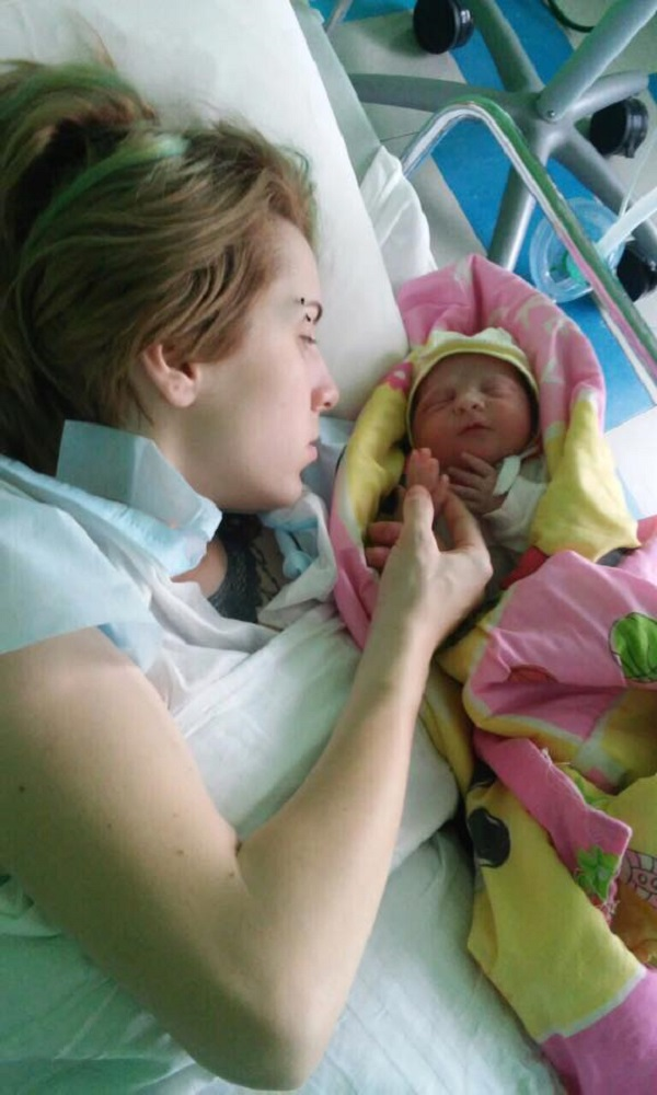 Госпітальєрка Зінкевич показала свою місячну доньку - фото 2