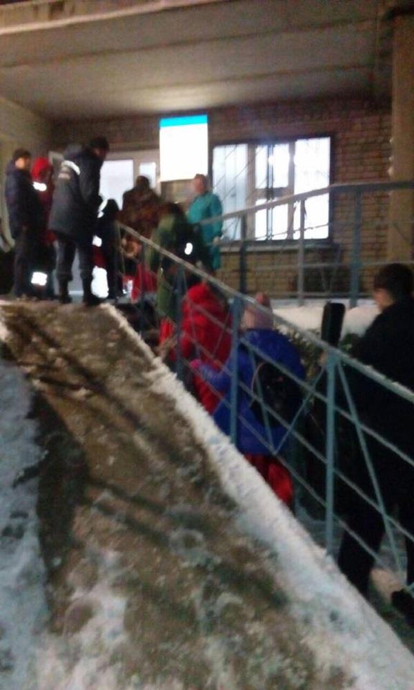 Постраждалі у ДТП на Дніпропетровщині діти досі перебувають у лікарні  - фото 1