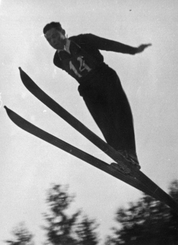 Як на Закарпатті майже сто років тому лижники вражали трюками - фото 5