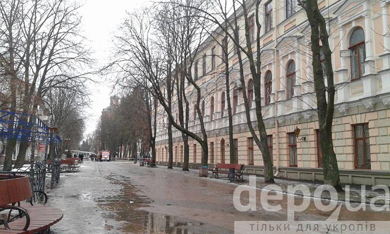 У Вінницьому міському суді шукають вибухівку - фото 3