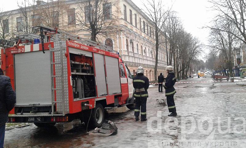 У Вінницьому міському суді шукають вибухівку - фото 1