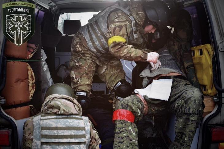 """Госпітальєри провели вишкіл медиків в умовах """"наближених до бойових""""  - фото 1"""