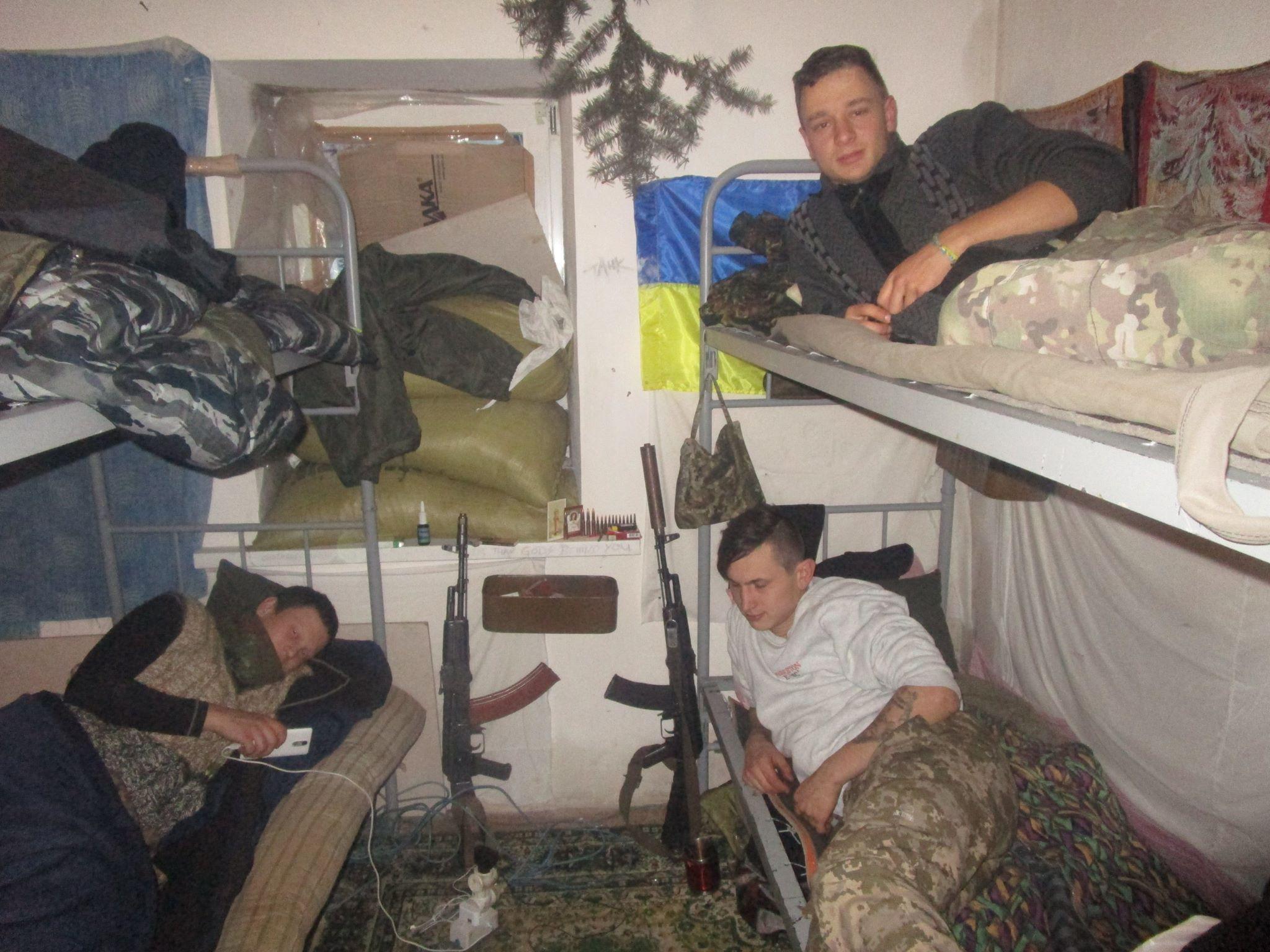 Записки з АТО: Війна очима добровольця, який воює у Мар'їнці (ВІДЕО, ФОТО) - фото 2