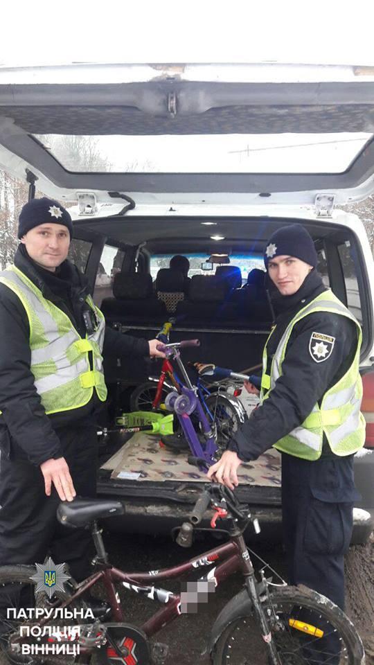 """Двоє вінничан накрали дитячих велосипедів і втікали на """"Мерсі"""" - фото 1"""