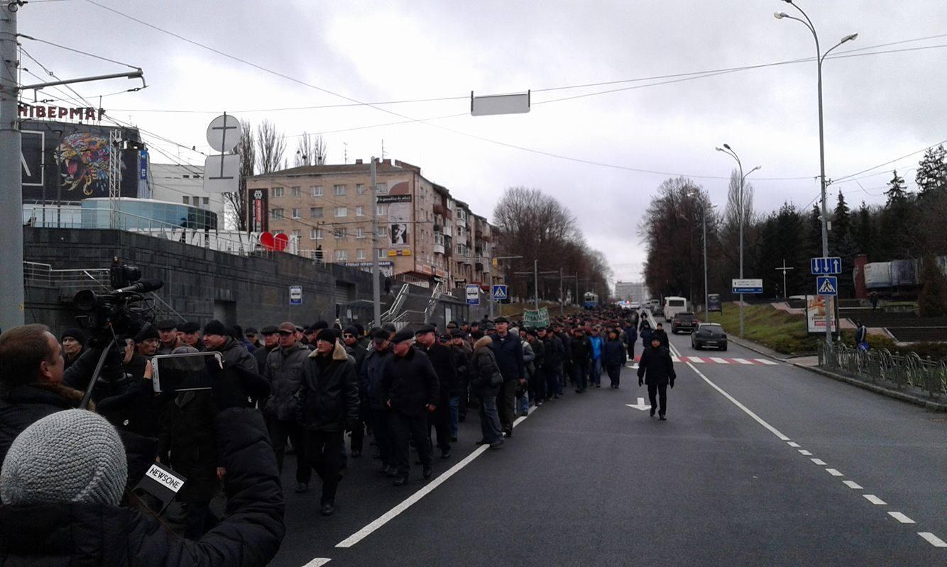 У Вінниці збунтувались колишні міліціонери: Вимагають збільшення пенсій та відставки Авакова - фото 9