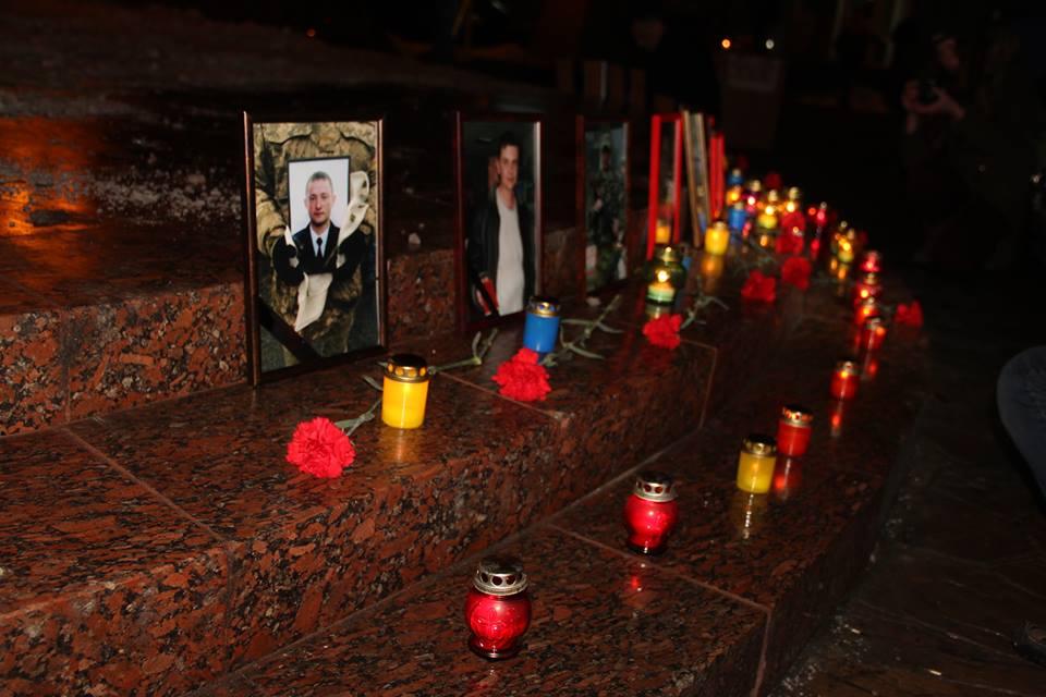 Загиблих на Світлоградській дузі пом'янули у Вінниці - фото 7