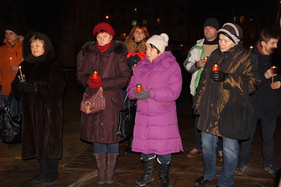 Загиблих на Світлоградській дузі пом'янули у Вінниці - фото 9