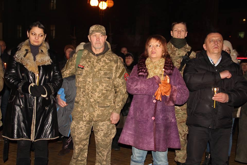 Загиблих на Світлоградській дузі пом'янули у Вінниці - фото 3