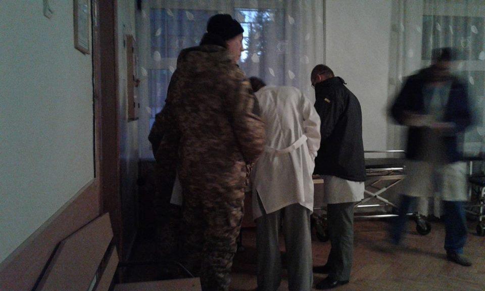 """До Вінниці прилетів """"борт"""" з пораненими військовими - фото 1"""
