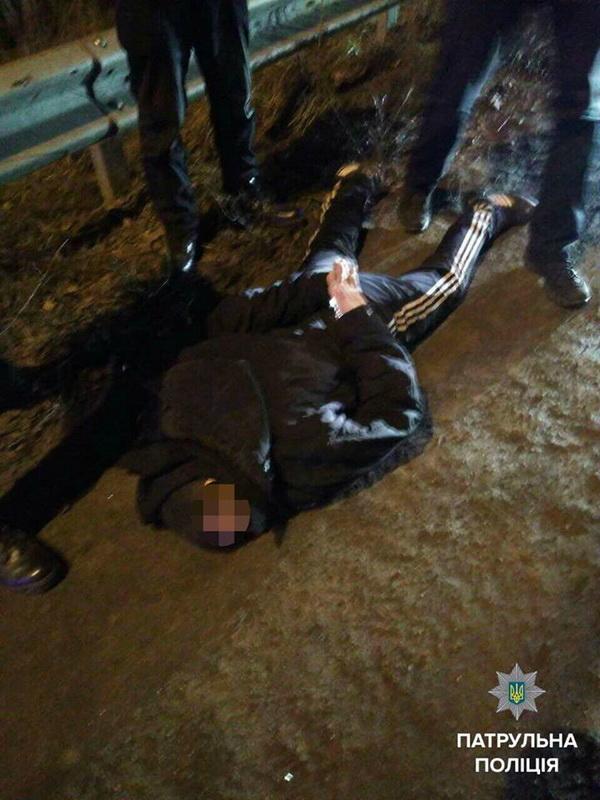 Вбивця намагався втекти від правоохоронців на маршрутці - фото 1