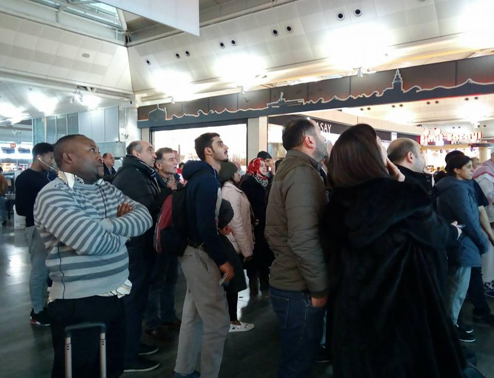 Мелітопольська волонтерка третю добу не може вилетіти зі Стамбулу через негоду - фото 1