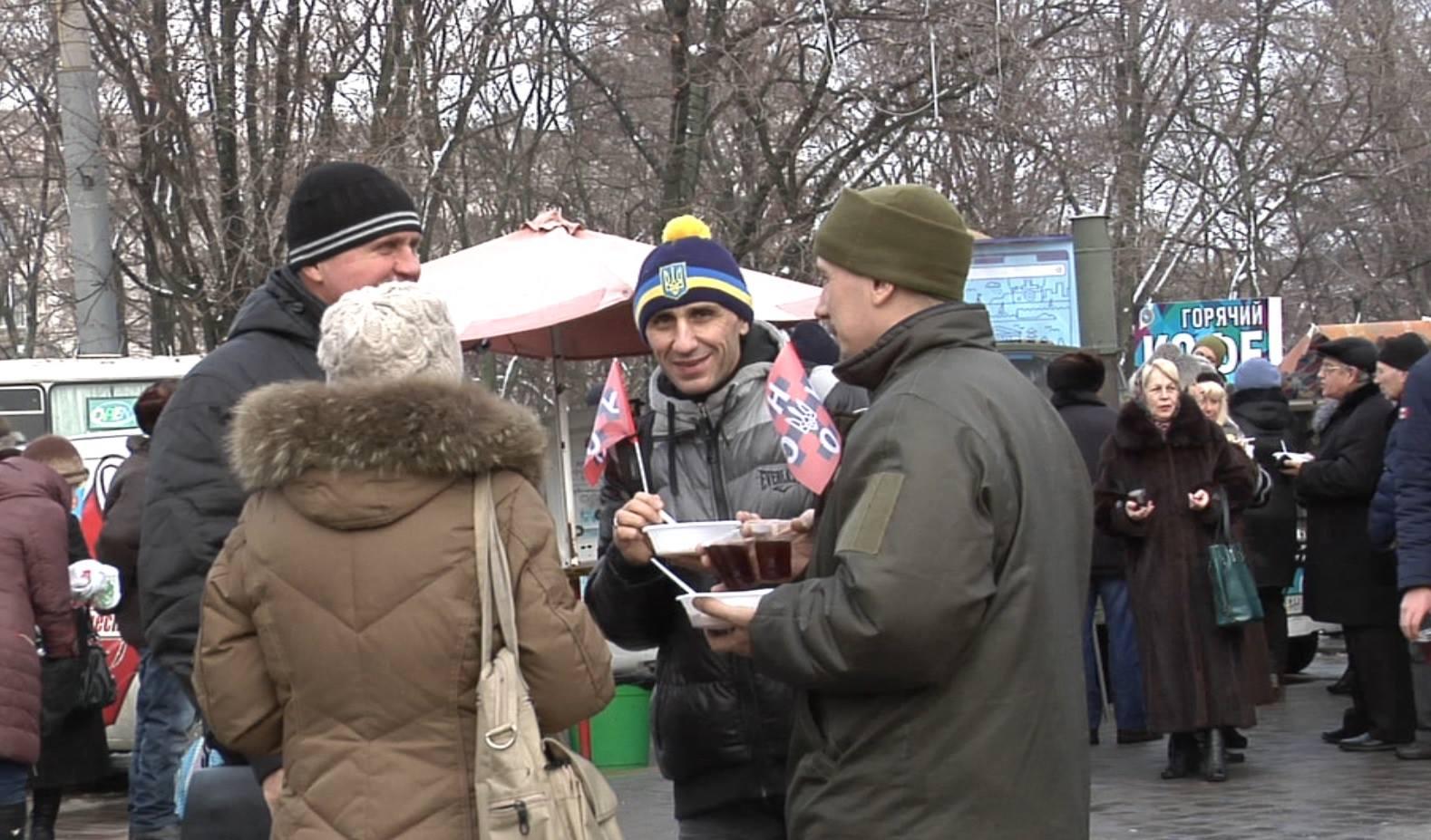 Як у Маріуполі щедрував вертеп зі Львова (ФОТО) - фото 6