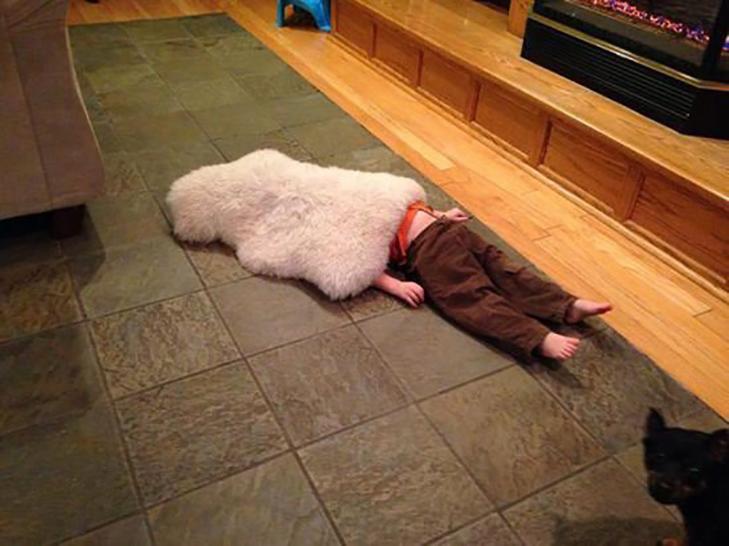 30 кумедних прикладів, як діти грають в хованки - фото 21