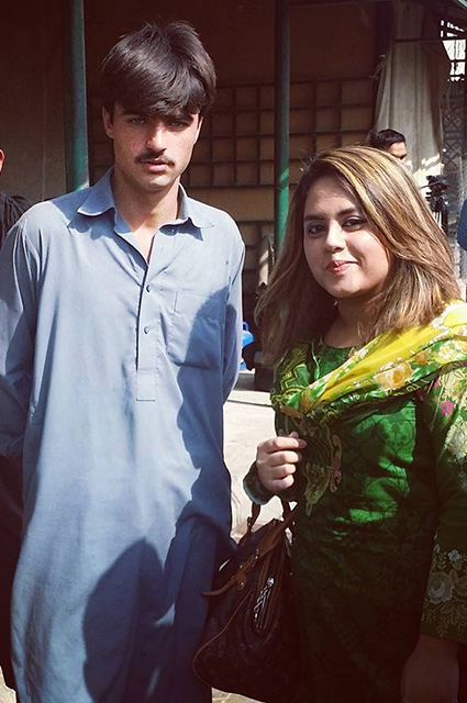 18-річний блакитноокий продавець чаю з Пакистану став зіркою соцмереж - фото 2