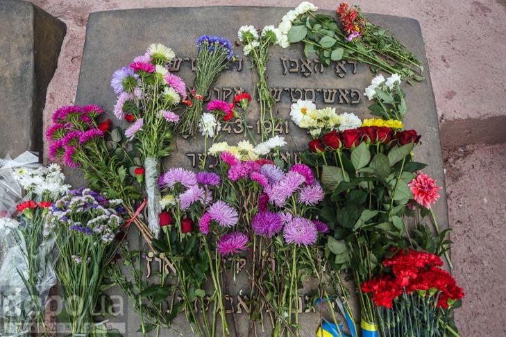 75-річчя трагедії: До Бабиного яру не перестають іти люди - фото 13