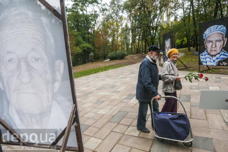 75-річчя трагедії: До Бабиного яру не перестають іти люди - фото 22