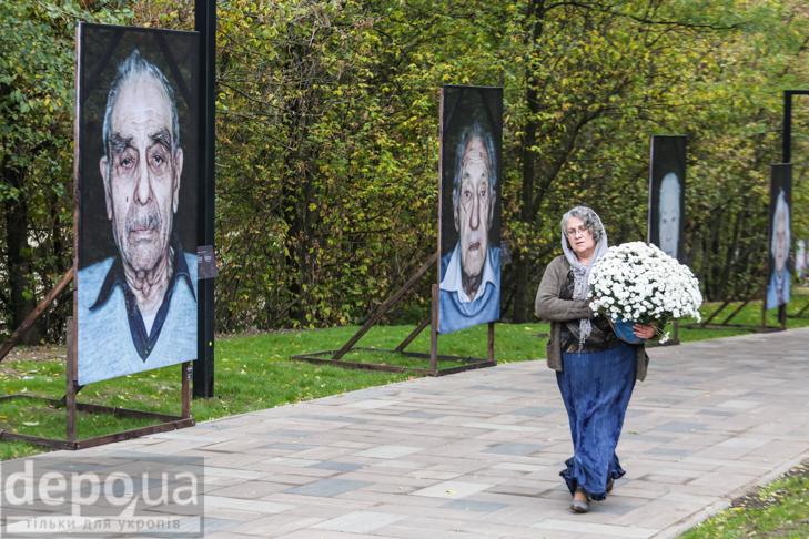 75-річчя трагедії: До Бабиного яру не перестають іти люди - фото 23