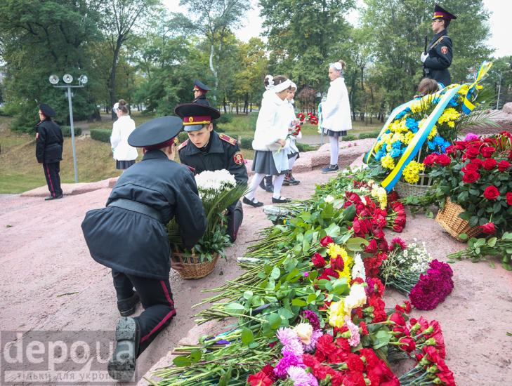 75-річчя трагедії: До Бабиного яру не перестають іти люди - фото 3