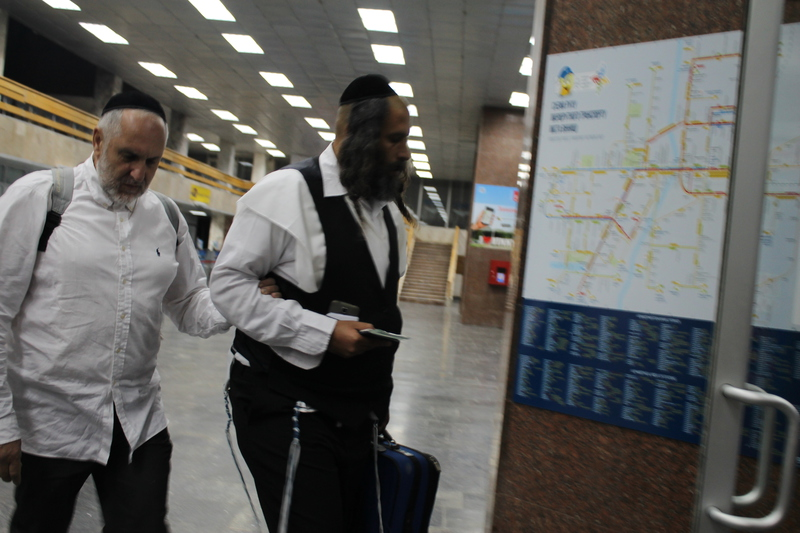 Вінницький аеропорт прийняв перших паломників-хасидів - фото 2