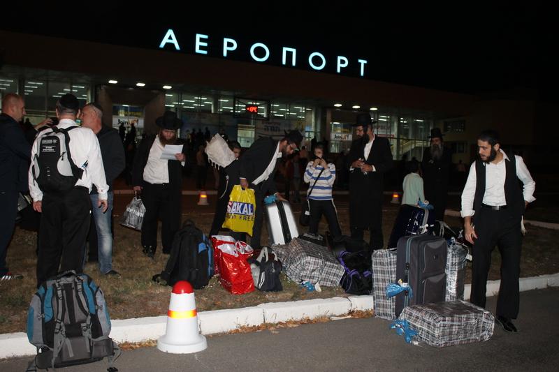 Вінницький аеропорт прийняв перших паломників-хасидів - фото 1