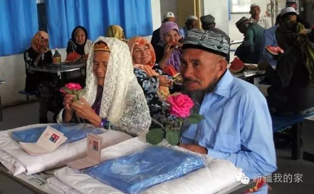 114-річна жінка вийшла заміж за 71-річного чоловіка