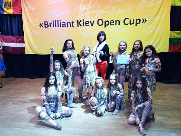 """Лубенські танцюристки на міжнародному фестивалі здобули """"золоту"""" перемогу - фото 1"""