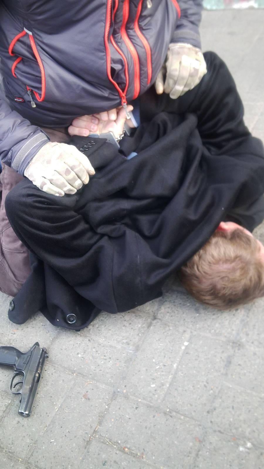 Екс-міліціонери та військовий вимагали 0 тис. за фіктивну допомогу - фото 2