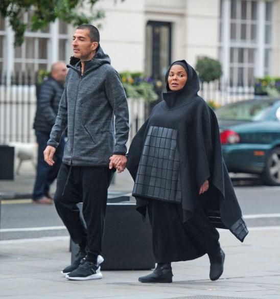 50-річна вагітна Джанет Джексон вийшла на вулицю в хіджабі - фото 1