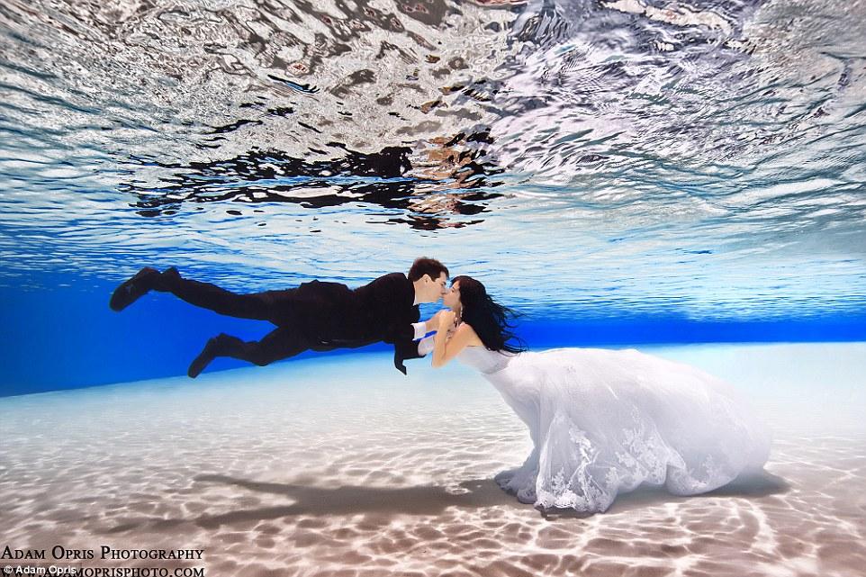 Неймовірні весільні фото під водою, через які хочеться затамувати подих - фото 4