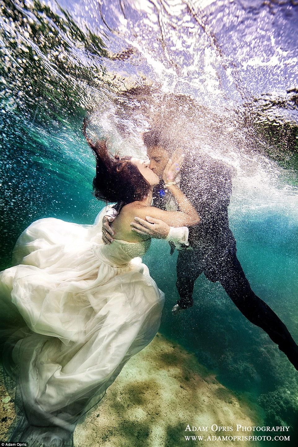 Неймовірні весільні фото під водою, через які хочеться затамувати подих - фото 2