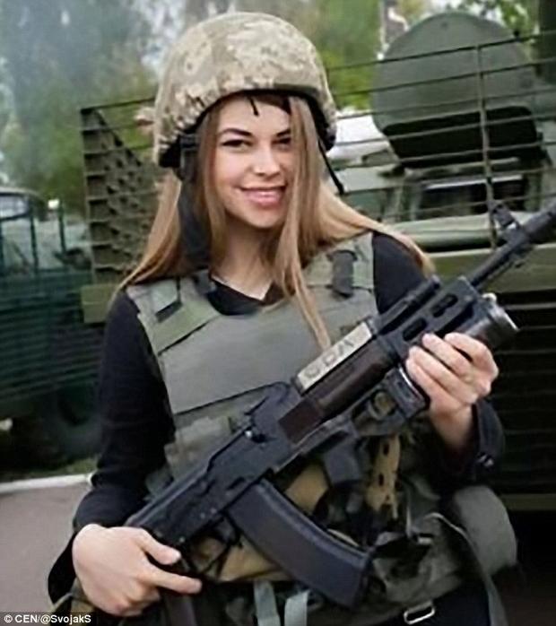 Всесвітньо відомий таблоїд у захваті від українських красунь-бійців (ФОТО) - фото 1
