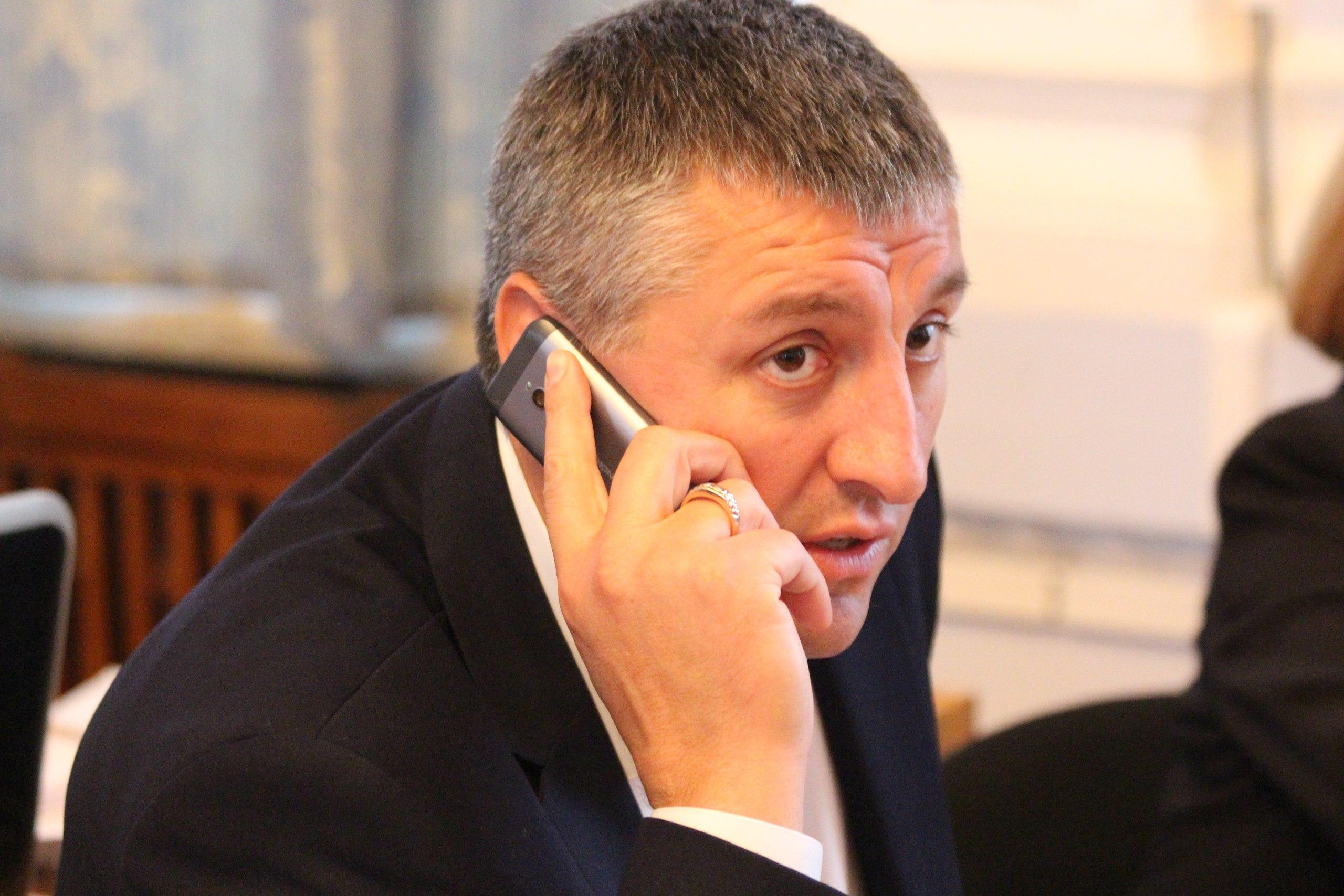 """Нижча ліга КВН: Як депутати """"тероризували"""" мера та гигикали на сесії - фото 11"""