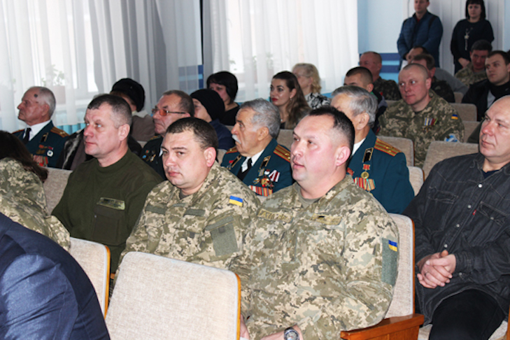У Лубнах нагородили медалями українських захисників - фото 3