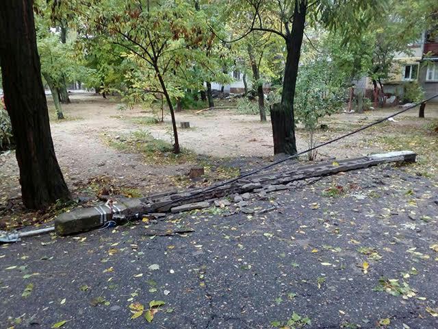 Непогода обесточила 276 населенных пунктов в11 областях