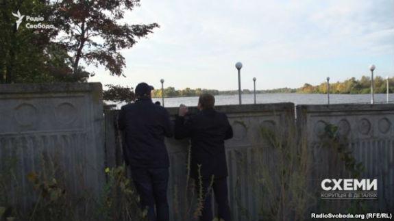 Чиновники Кличка не бачать проблем у парканах на берегах Дніпра  - фото 2