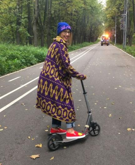 Як вагітна Собчак замість Парижу катається на самокаті - фото 1