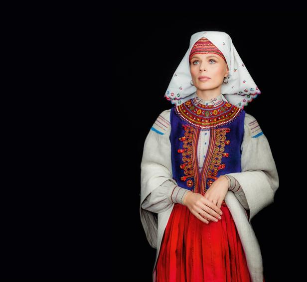 Кароль, Фреймут, Єфросиніна вбралися у розкішне українське вбрання - фото 9