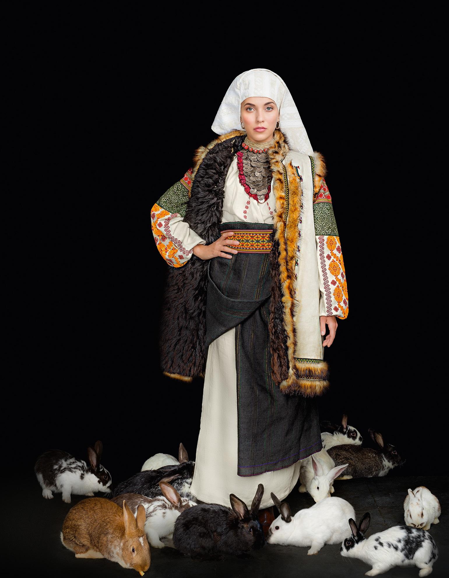 Кароль, Фреймут, Єфросиніна вбралися у розкішне українське вбрання - фото 4