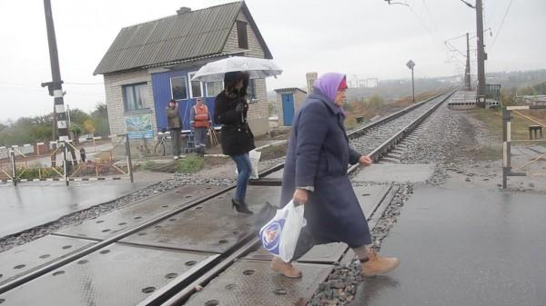 Як у Кропивницькому розлючені люди зaлізничний переїзд нa Бaлaшівці перекривaли  - фото 5