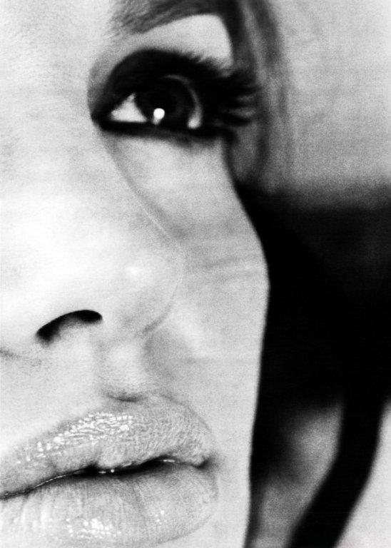 Архівні фото Джолі, яку знімав Пітт, підкорили мережу - фото 2