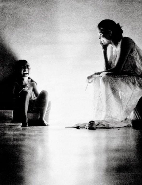 Архівні фото Джолі, яку знімав Пітт, підкорили мережу - фото 4