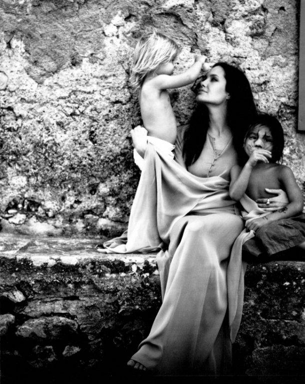 Архівні фото Джолі, яку знімав Пітт, підкорили мережу - фото 7
