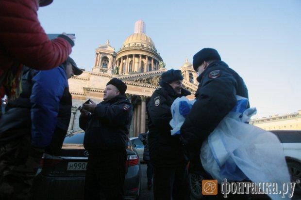 """На Росії на храмі вивісили протестний банер """"Не РПЦ"""" - фото 3"""