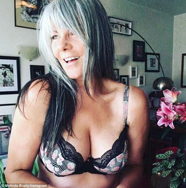 54-річна красуня в білизні розкрила секрети успіху - фото 1
