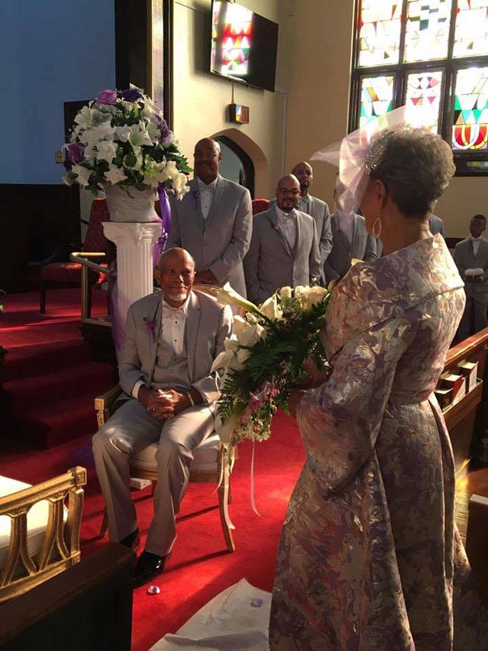 86-річна наречена підірвала мережу весільною сукнею власного дизайну  - фото 2