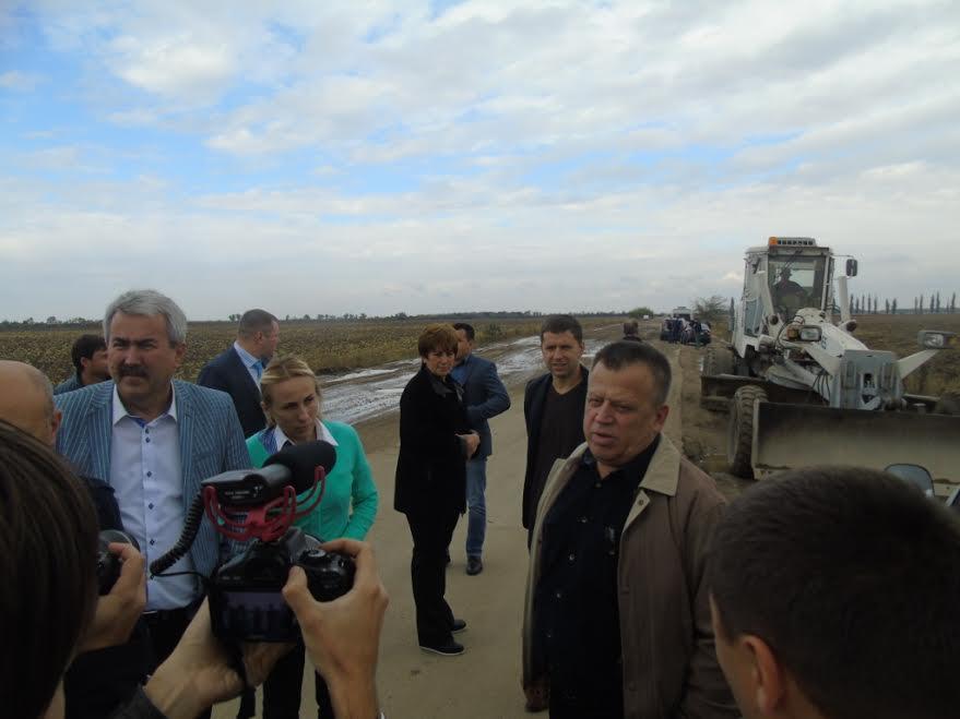 Дороги смерті: в Миколаївській службі автодоріг назвали траси Н-11 і Н-14 проїздними - фото 1