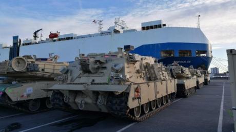 ВГермании началась разгрузка военной техники бронетанковой группы США