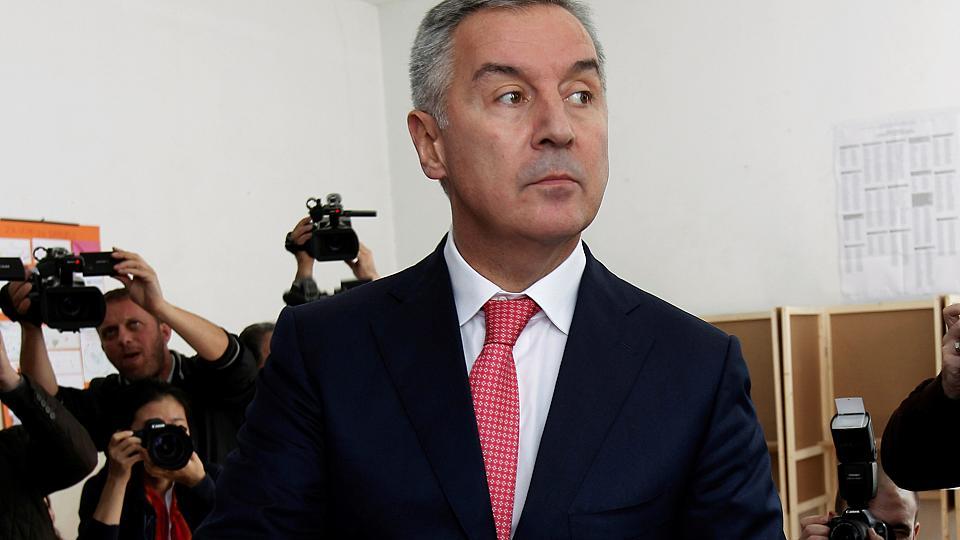 ВЧерногории премьер подал вотставку